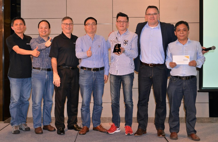 Invue photo  - IMI KC Receives Shooting Star Award from InVue - IMI News