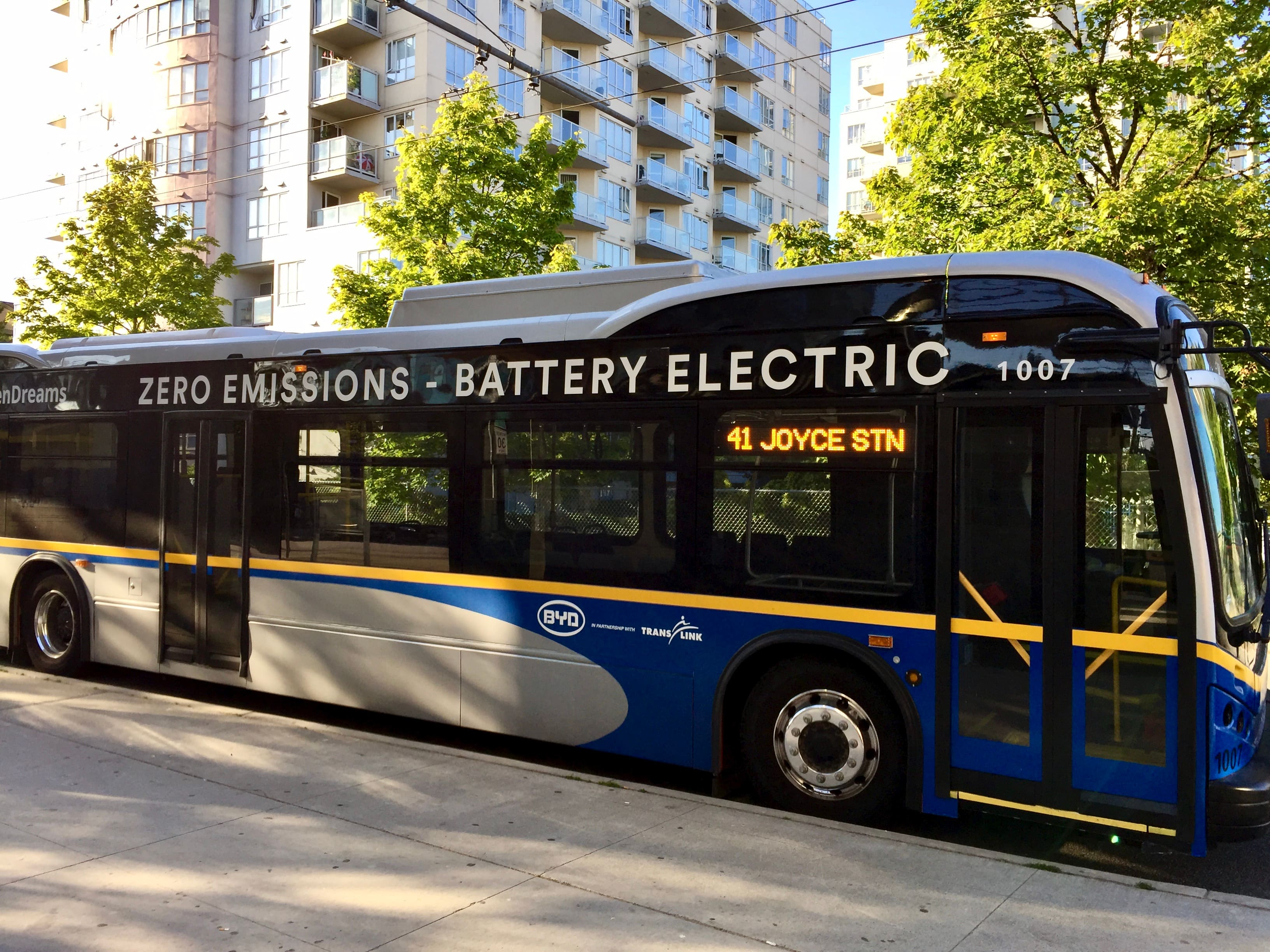 Shifting Gears: Electric Buses around the World | IMI